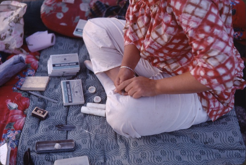 Sharon Fee preparing vaccines.jpg